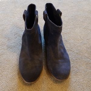 Lucky brand navy blue suede terra boots 10